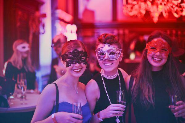 adult-bar-birthday-787961.jpg