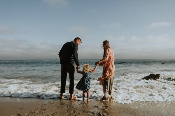barefoot-beach-cheerful-1574653.jpg