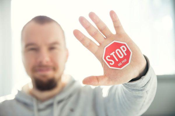 如何聰明拒絕別人?用心理學三方法不得罪人的說「不!」